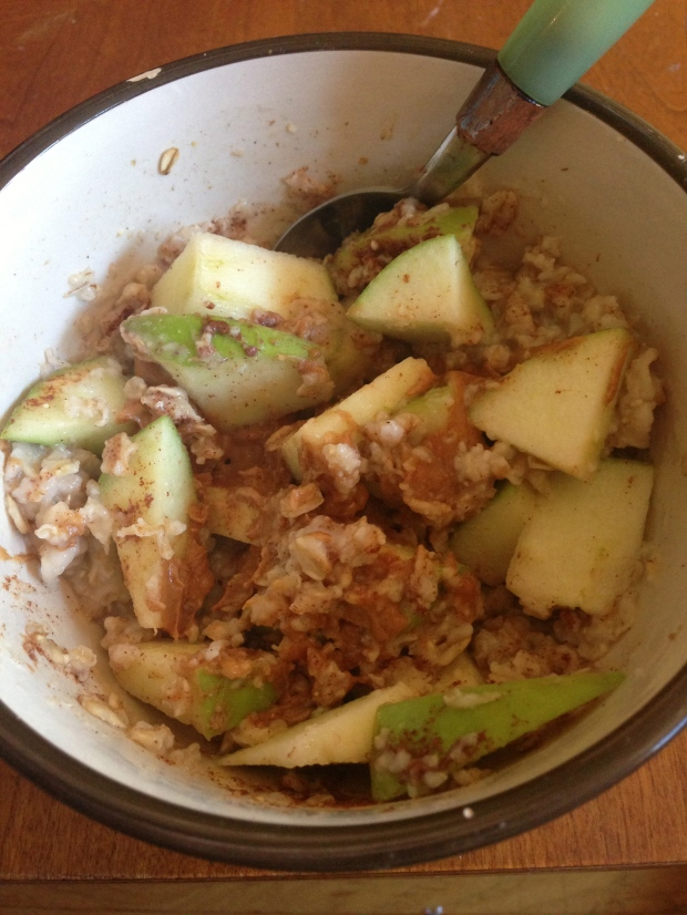 mmm Oatmeal, Apples, & Peanut butter!
